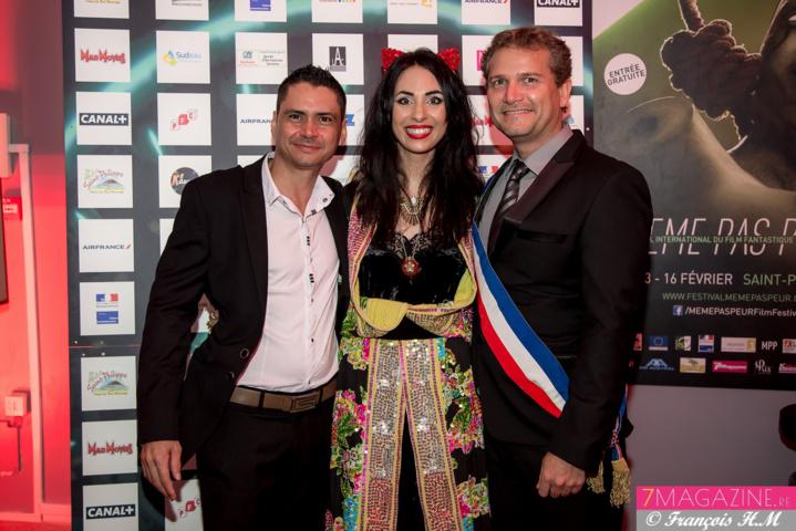 Aurélia Mengin entourée du maire Olivier Rivière et de son directeur de cabinet Yoni Posé