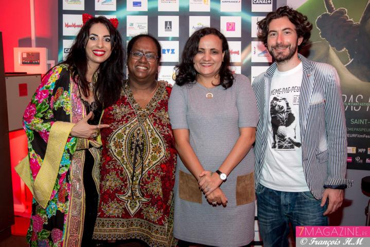 Aurélia Mengin et Nicolas Luquet avec des invitées