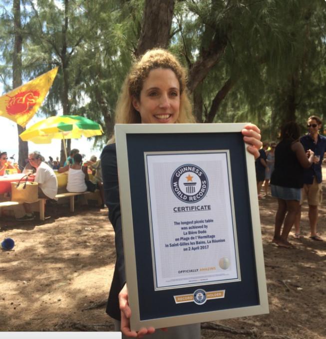 #LaReunionLéLà: Notre île dans le Guinness Book de la plus longue table de pique-nique !