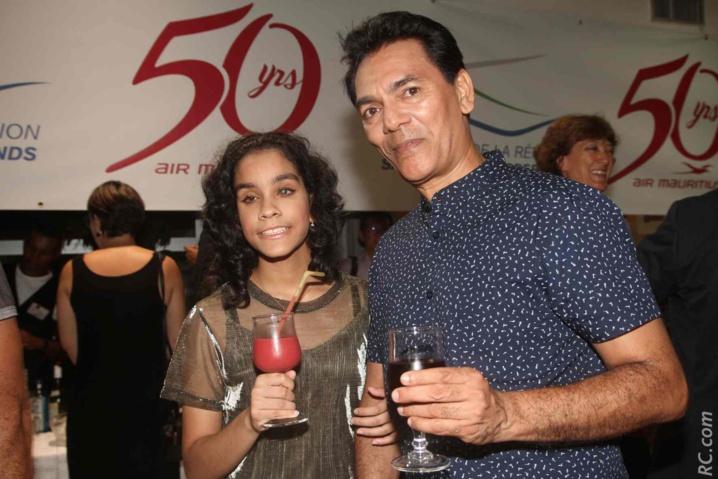 Jane Constance, qui a remporté le Voice Kids, avec son père