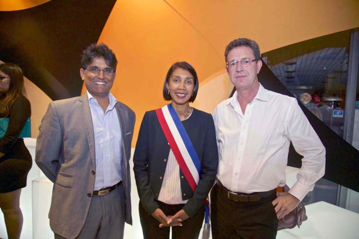 Daniel Ramsamy, délégué régional Orange Réunion Mayotte, Herwine Boyer-Pitou, et son époux Jean-Pierre Pitou