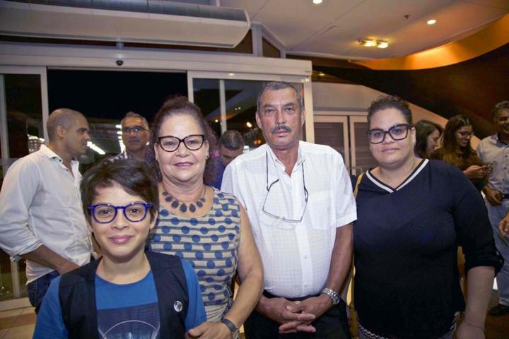 La famille Clain: Nathan, Claude, Paris et Carole