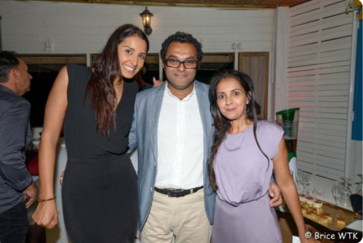 Raïssa Boyer, Miss Réunion 2006, Ilias Locate du groupe Locate, et Amida Hussein, directrice de Miss Agency