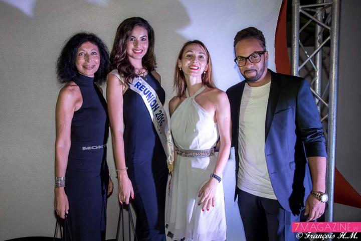 Myrella Cadet, Ambre N'guyen, Mariana Ulianova Rocher, et Nicky LarSon, animateur Trace FM 974 et présentateur de la soirée