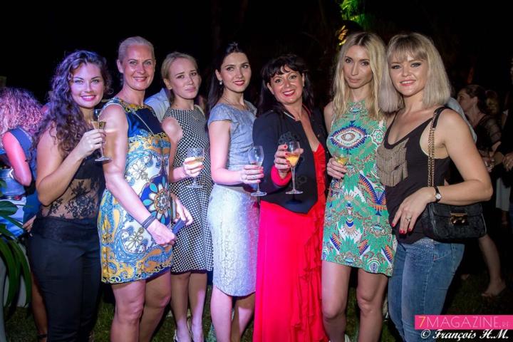 Caroline Causse, Rasa Miseviciute, Lilia Mukhametgalina, Valeria Balatskaya, Carine Lecomte, Elena Iv-skaya, et Olga Tsebro
