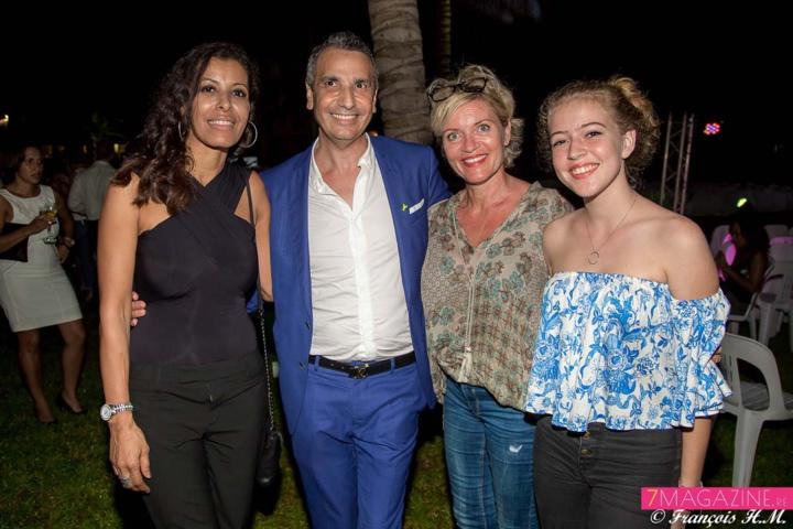 Samia Ezzoglami Gley, Alexandre Karras, directeur des ventes Orange Réunion Mayotte, Nathalie Allain Grangeon, Designer d'espace, et sa fille