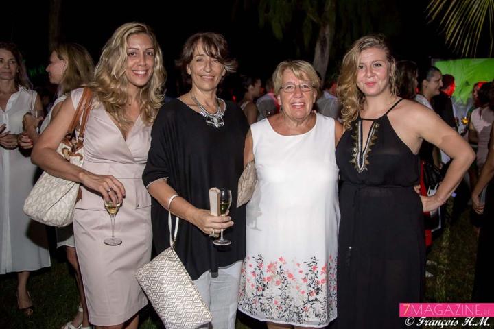 Magali Bodzen, d'AG2R La Mondiale, Ghislaine Labat, directrice Masters and Models, sa maman Georgette, et Blandine Villeneuve, assistante de direction Masters and Models