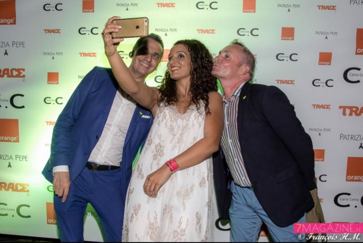 Et un selfie, un! Alexandre Karras, Stéphanie Thazar, et Jean-François Salaun