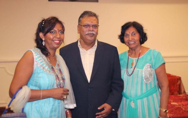 Selvam Chanemougame avec Lynda Savaranin et sa maman