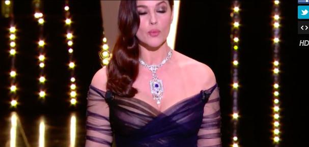 Monica Bellucci en robe transparente pour l'ouverture de Cannes 2017