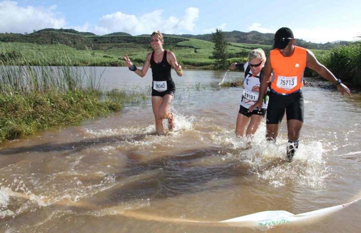 Dans l'eau boueuse, pas toujours évident de mettre un pied devant l'autre (Photo RC Beauval)