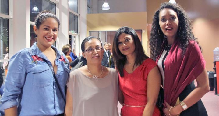 Magalie Hoareau, gestionnaire Sinistres, Emmanuelle Grosset, gestionnaire Vie, Carolyne Grondin, chef comptable, et Gaëlle Séraphine