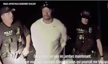 [VIDEO] L'hallucinante arrestation de Tiger Woods