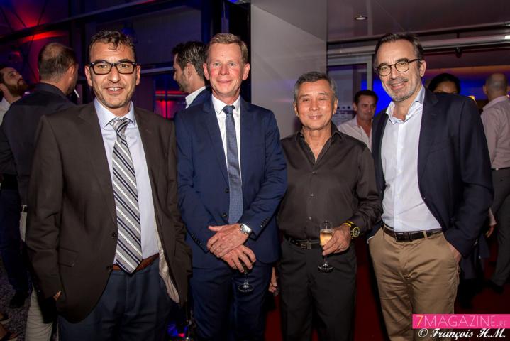 Didier Debache, directeur Renault Saint-Pierre, Marc Tezenas, directeur général branche automobile GBH Réunion, Mr Ah-Ling, et Eric Benavente, directeur général CFAO