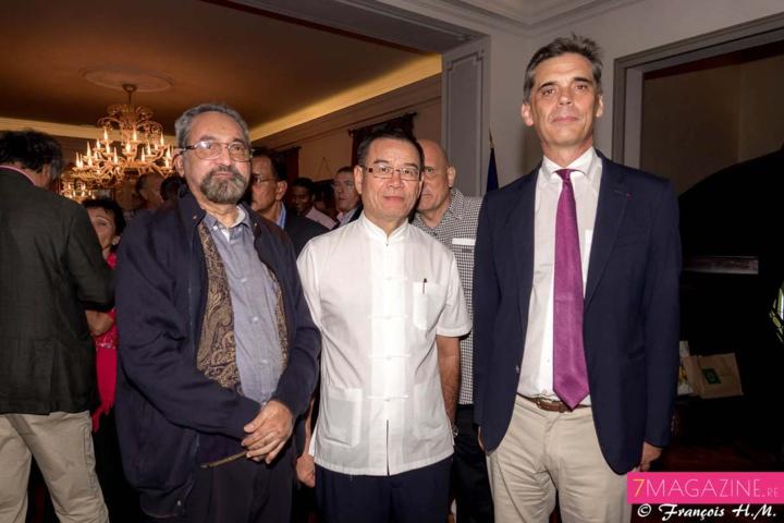 Idriss Issop-Banian, président du groupe de Dialogue inter-religieux, Clément Ah-Line, et Dominique Sorain