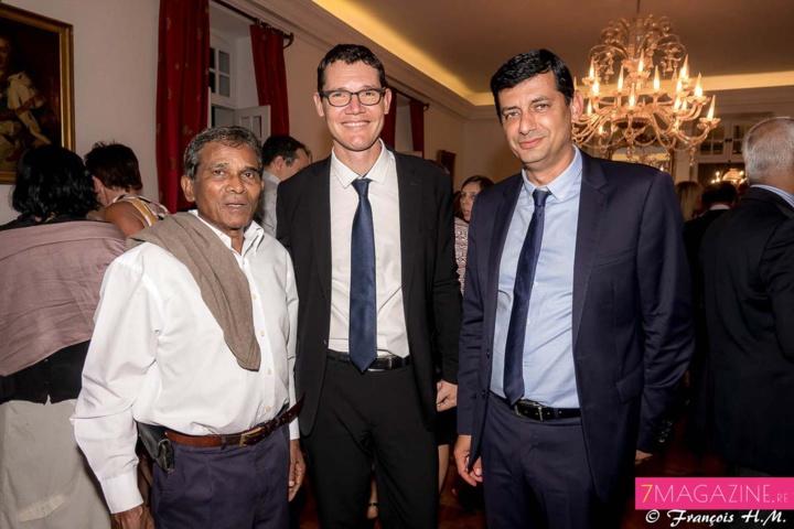 Jean-Yves Minatchy, de la CGPER, Guillaume Branlat, président du directoire Aéroport Roland Garros, et Jean-Jacques Vlody, député