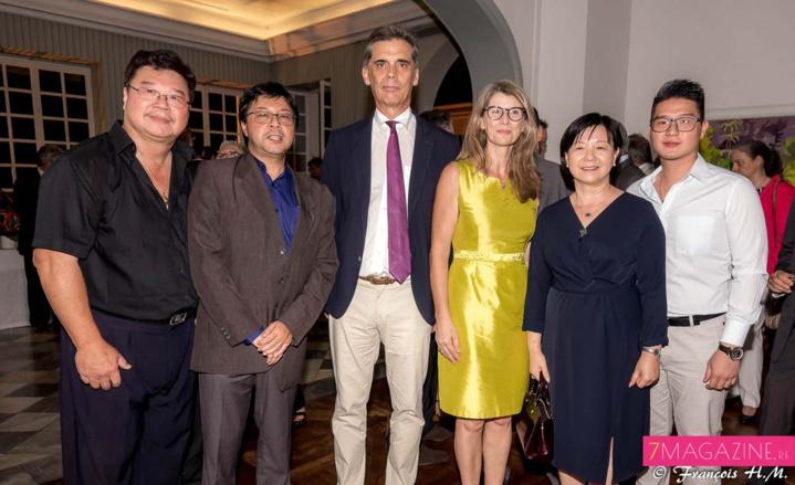 Georges Chan-Liat, Jerry Ayan, le couple Sorain, madame Guo Wei, Consule générale de Chine à La Réunion, et Brandon Chan-Liat (le fils de Georges)