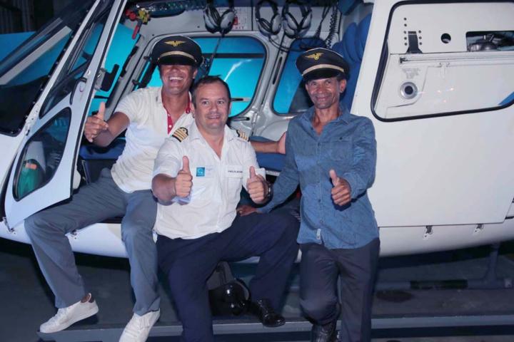 Jean-Sébastien Héry, pilote, et des Mafatais