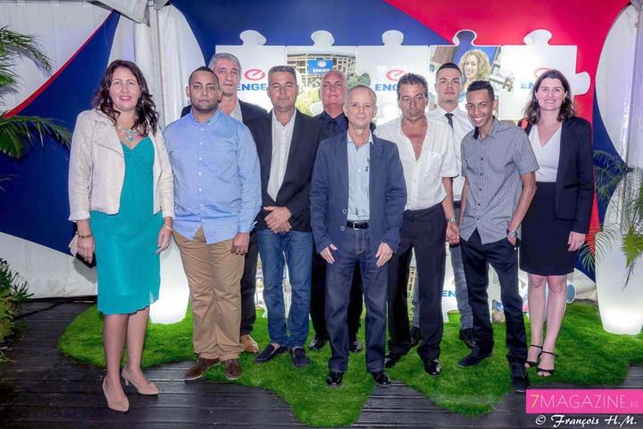 Une partie de l'équipe Engen Réunion, et les représentants des sociétés ETP, BMR, qui ont participé à la conception de la station Engen Beauséjour