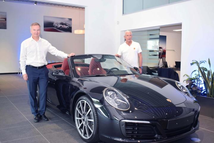 Peter Vogel, directeur des Ventes Porsche Moyen Orient et Afrique, et François Caillé, président du Groupe Caillé