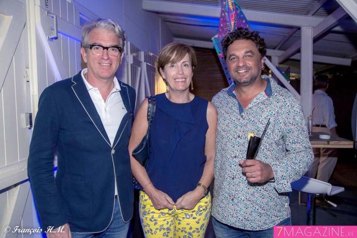Jérôme Calvet de l'agence Le Village, Caroline Gaudel, responsable communication SFR Réunion, et Eric Fruteau, directeur de Digital Studio