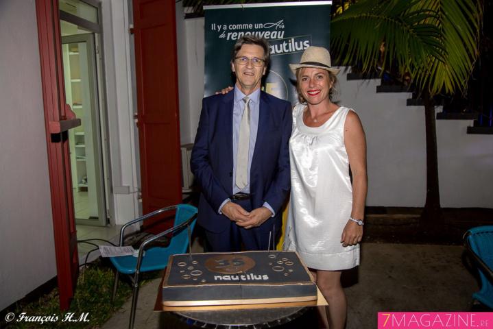 Alain Graulich et Céline Pasquino devant le gâteau des 35 ans