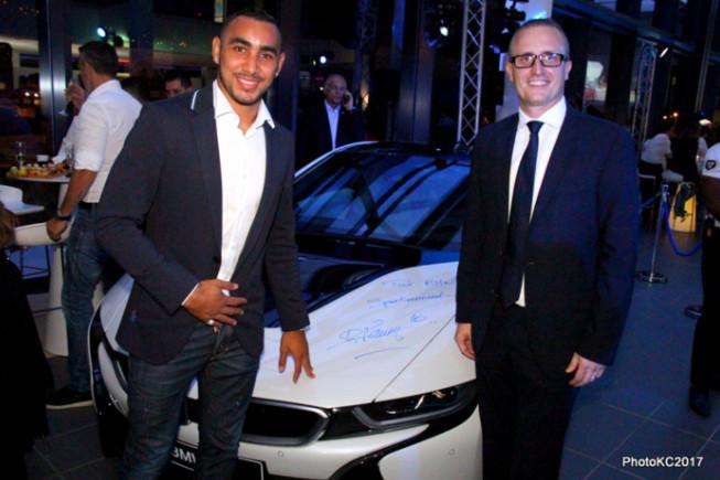 """""""Pour BMW sportivement"""" signé de Dimitri Payet avec Philippe Alexandre Rebboah Directeur de Leal Réunion"""
