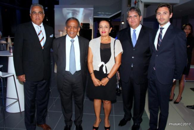 Lilian Cerret Directeur Administratif du Groupe Leal, Gilbert Annette Maire de Saint-Denis et sa femme, Eric Leal Patron du groupe Leal et Pierre Granotier de BMW Allemagne