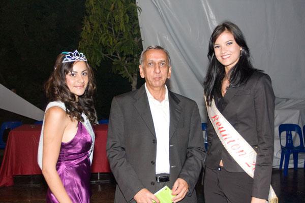 Maeva Maillot, la Reine 2009, Aziz patel du Comité Miss Réunion et Kim Hoa Barutaut, Miss Réunion 2009