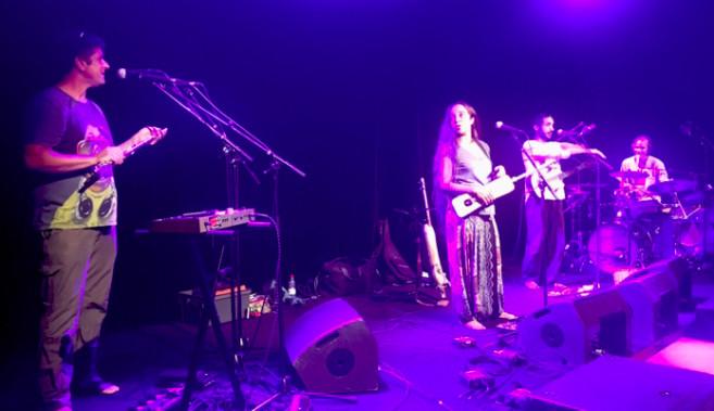 Le groupe Tapkal en pleine répétition, au Kabardock