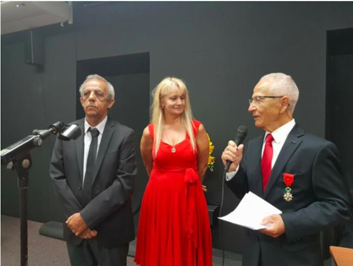 Raoul Lucas en compagnie de sa femme, pendant le discours de présentation du général Yvon Lucas