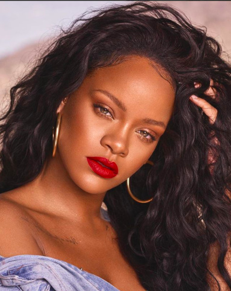 Le cousin chéri de Rihanna abattu : elle est effondrée