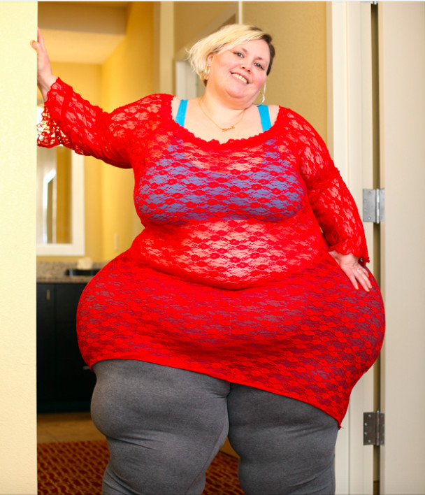 Elle veut les hanches les plus larges du monde, quitte à en mourir