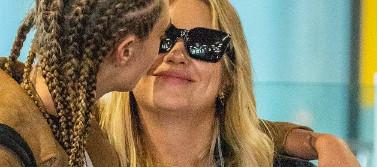 Cara Delevingne officialise sa relation avec l'actrice Ashley Benson