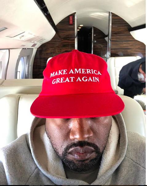 Kanye West change de nom