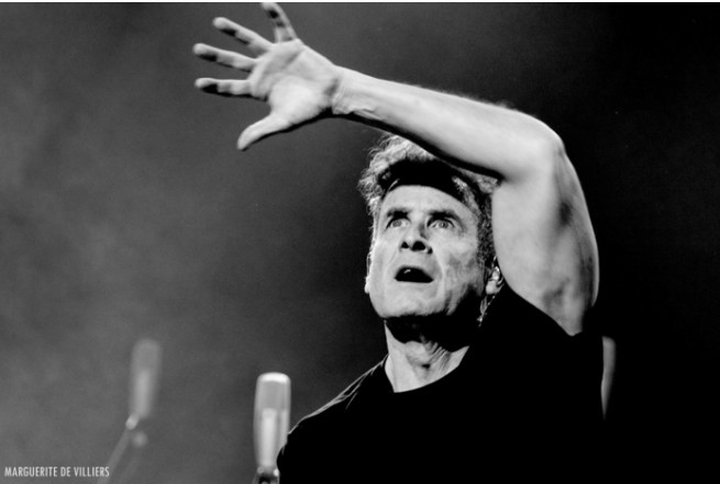 Photol: page Facebook Johnny Clegg