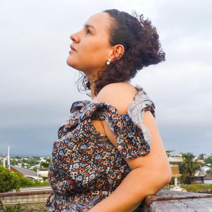 Estelle Félicité, la coach de vie qui chante