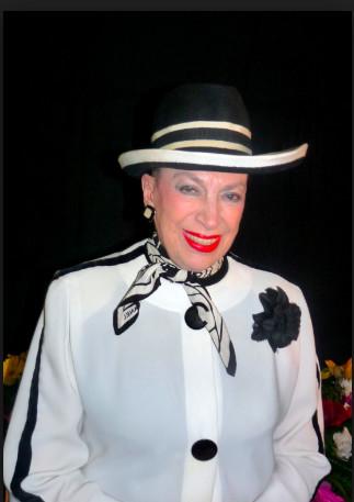 Geneviève de Fontenay victime d'un vol de robes