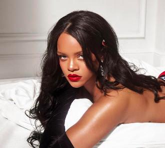 Rihanna en petite culotte rouge : elle cartonne !