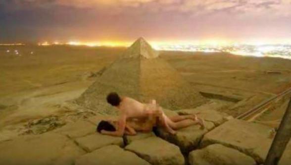 Scandale : Un couple filme ses ébats sur la pyramide de Khufu