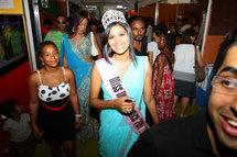 Miss India France. Dédicaces au Salon