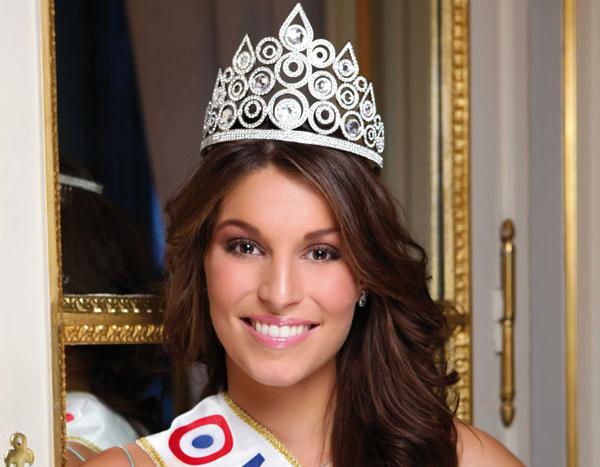 Laury Thilleman, Miss France 2011 «Je mène une vie riche et intense»