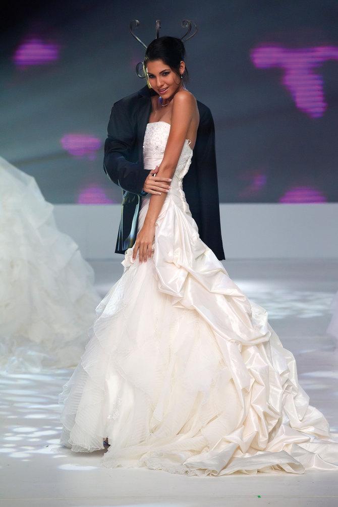 Une mariée en route vers sa couronne