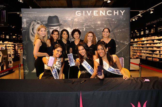 Miss Réunion et ses dauphines chez Mado