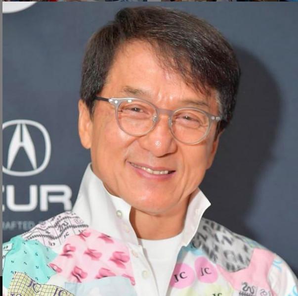 Jackie Chan, né à Hong Kong, soutient la Chine