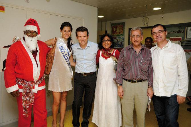 Au CHR Félix Guyon, Miss Réunion et le Père Noël en visite
