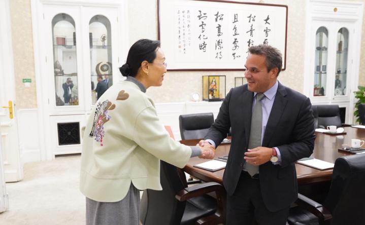 Rencontre entre le Président de Région et l'Association du Peuple Chinois pour l'Amitié avec l'Etranger (APCAE)