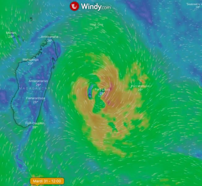 Les modélisations du site Windy pour le mardi 31 décembre feraient passer la probable tempête sur les Mascareignes