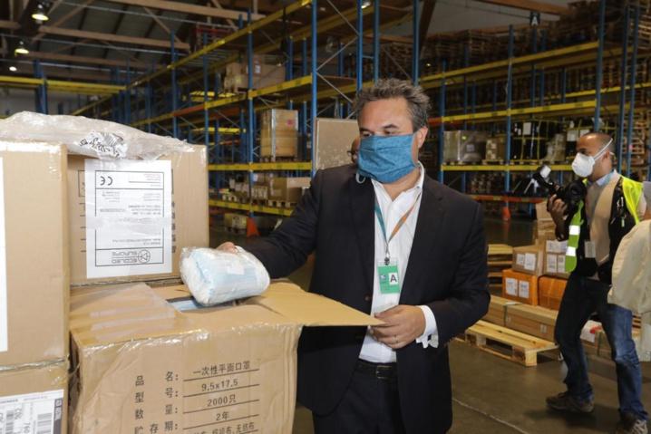 Réception de 200 000 masques chirurgicaux commandés par la Région Réunion