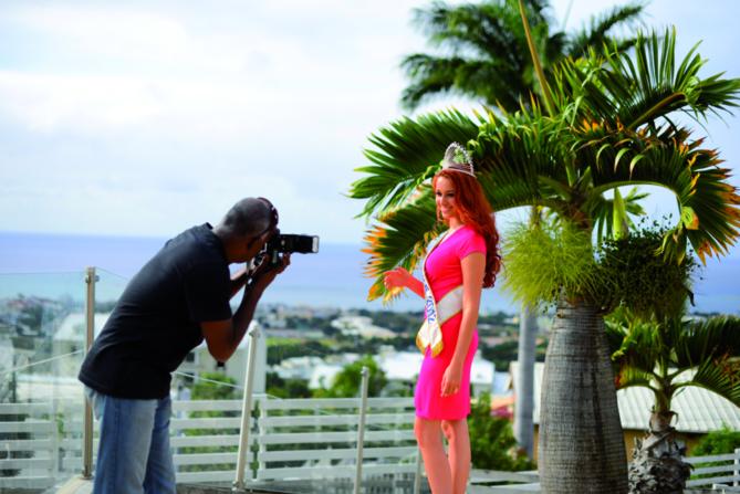 Delphine Wespiser, Miss France 2012, Escale  réunionnaise....